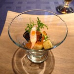 Atelier Trois - アミューズ~丸茄子・海老のポシェ・イクラ・出汁