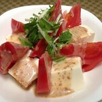 バラモン食堂 - トマトと豆腐のサラダ