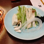 しゃぶ禅 - しゃぶしゃぶのお野菜です。茸の数が多いです。