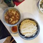 139695999 - 西成ホルモン風菊脂醤油馬鹿つけ麺