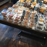 手作りパン屋のTERUO - 店内