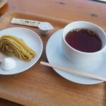 シマント おちゃくり カフェ - しぼりたてモンブランと紅茶