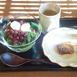 紫野和久傳 堺町店 - 宇治金時ソルベとひと口れんこん餅。