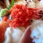 13970896 - 海鮮丼のアップ