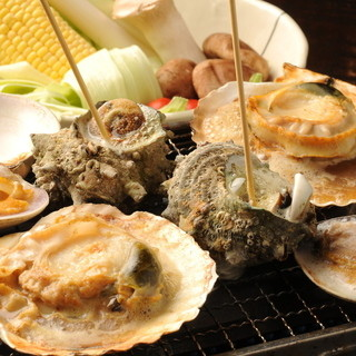 毎日築地から仕入れる鮮魚♪そして季節限定!!浜焼き♪