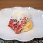 グルマンディーズ - 三田牛もも肉のカルパッチョ、 無花果、トマト
