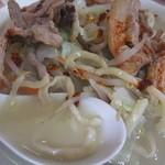 塩山館食堂 - 特製湯麺