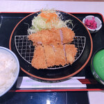 tonkatsutowashokunomisechouhachi - ヒレカツ定食1,730円(ヒレカツ1,400円+定食セット330円)