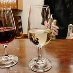ワインバー 壱 - 飲み比べ 白ワイン ヒューゲル(フランス)
