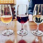ワインバー 壱 - グラスワイン3種飲み比べ 1650円