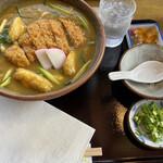 勢川 - カツカレーうどん。1100円。