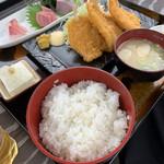 魚屋の磯料理 まるとし - キスのフライランチ定食