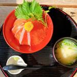 飄禄玉 - 紅富士丼