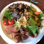 野菜がおいしいダイニング LONGING HOUSE - サラダ二皿目