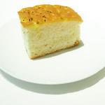 ドルチェ ポンテベッキオ - 自家製フォカッチャ。