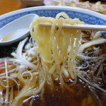 13974453 - 太めの縮れ麺