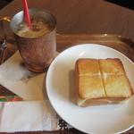 上島珈琲 - 厚切りバタートーストモーニングセット 390円