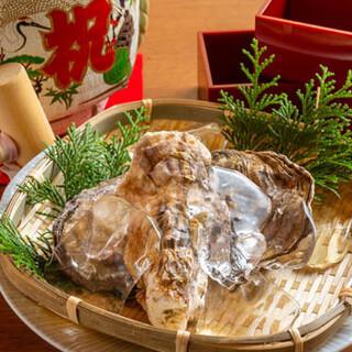地酒で作る「美酒鍋」!広島県産の大きな牡蠣&フグのコースも♪