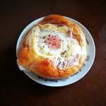 どんぐり - ベーコンエッグパン
