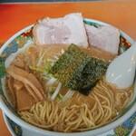 幸来 - 料理写真:ラーメン+叉焼 910円