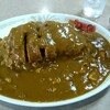 中華料理 栄楽 - 料理写真:でっかい皿になみなみと盛られたカツとカレー、略してカツカレー(1000円)
