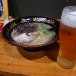 元祖 中洲屋台ラーメン 一竜 - 生ビールとラーメンセットで550円(゚∀゚)