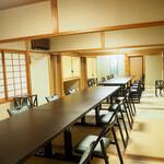 寿司 和食 まえ田 - 大部屋のテーブル・椅子席