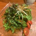 おっちゃんの台所 - 春菊と玉ねぎのサラダ480円