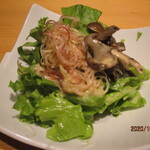 喜鈴 - 茸と茗荷のサラダ、白味噌ドレッシング