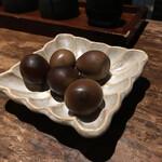 ガラリ青山 - 鶉玉子燻製