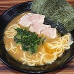 家系ラーメン 教道家 - 料理写真:並らーめん  全部普通(麺の硬さ、味の濃さ、油)