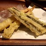 139866966 - エビとアナゴの天ぷら。