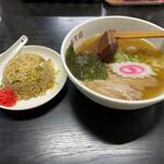 らーめんあすか - 料理写真:半ラーメン450円 半チャーハン250円(^^) 合計700円
