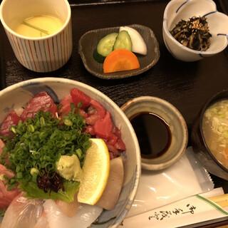 粋?丸新 - 料理写真:海鮮丼