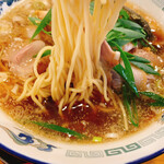 139876181 - 麺も美味しいけどスープが抜群に美味しすぎてスープの味しか覚えていない…