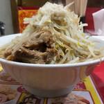 ラーメン風林火山 - 料理写真:普通800円ヤサイマシアブラ
