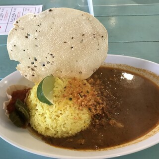 ポルキリ - 料理写真:スリランカカレー大盛(800円)トッピングサービス