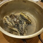 漁師めし食堂 - アルミ鍋が良い感じ(*ノ∀`)