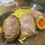 139891158 - 流星つけ麺 しょうゆ+大盛 ¥1050+150