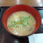 吹田サービスエリア(上り線)スナックコーナー - 料理写真:豚汁 250円