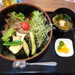 オリーブパレス レストレア - 料理写真:ひしお丼