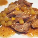 中国料理 桃李 - 豚肉のステーキ柿入りオイスターソース