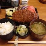 米平 - 料理写真:とんかつ定食