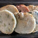塚田水産 - 人参ごぼう、タコ紅しょうが、玉ねぎ 枝豆、イカ、ネギチーズ