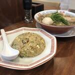 麺屋 隊長 - 料理写真:中華そばラーメンセット