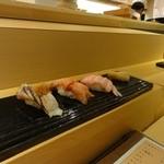 寿し若 - おまかせ寿司の一部。