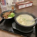 韓丼 - 料理写真:ミニカルビ丼とスン豆腐セット