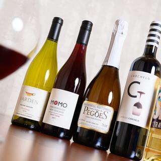 日本酒、焼酎、ワイン、お茶…誰もが愉しめる充実のラインナップ