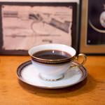 スリーペンギンズコーヒーアンドロースター - タンザニア
