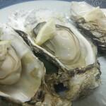 チャグチャグ馬コ - 料理写真:仙鳳趾焼き牡蠣